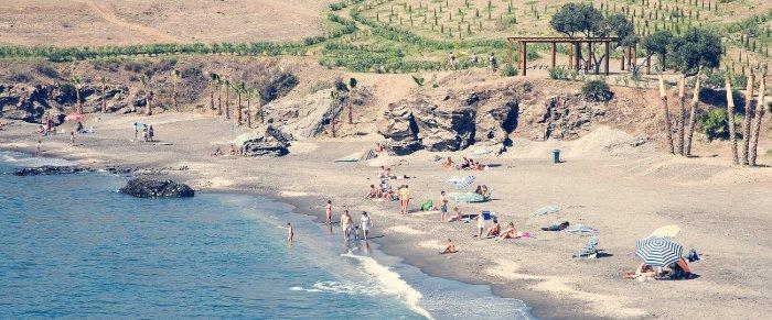 playa de calabajio almuñecar granada